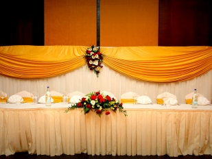 Head Table Decor 4