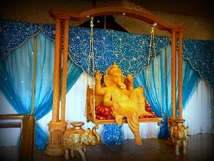 New Wooden Mandap Ganesh swing Entrance1